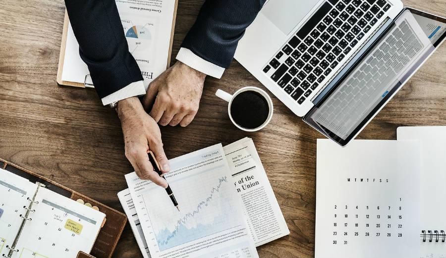Έρευνες Αγοράς & Κλαδικές Αναλύσεις